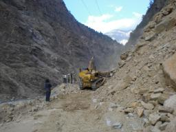 A bigger landslide about 20km before Recong Peo